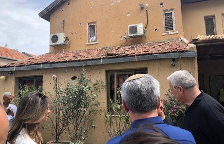 שרת הבינוי והשיכון יצאה לסיור חירום במבנים שנפגעו בתקיפה בדרום