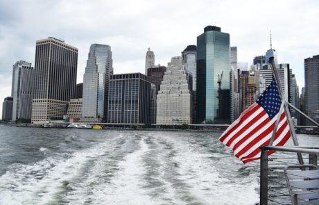 אישור נוטריוני של נוטריון אמריקאי בארץ לאימות חתימה על מכירת נכס – רק בשגרירות או לא חייב?